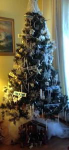 12-19-14 CHRIST    mas tree