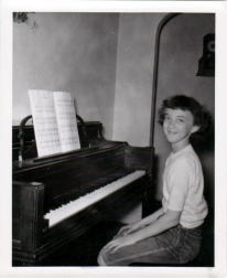 Judy at the new piano-1952
