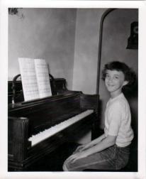 Judy at the new piano-1952