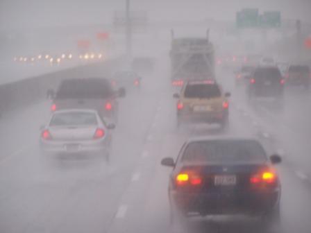 traffic_in_the_rain